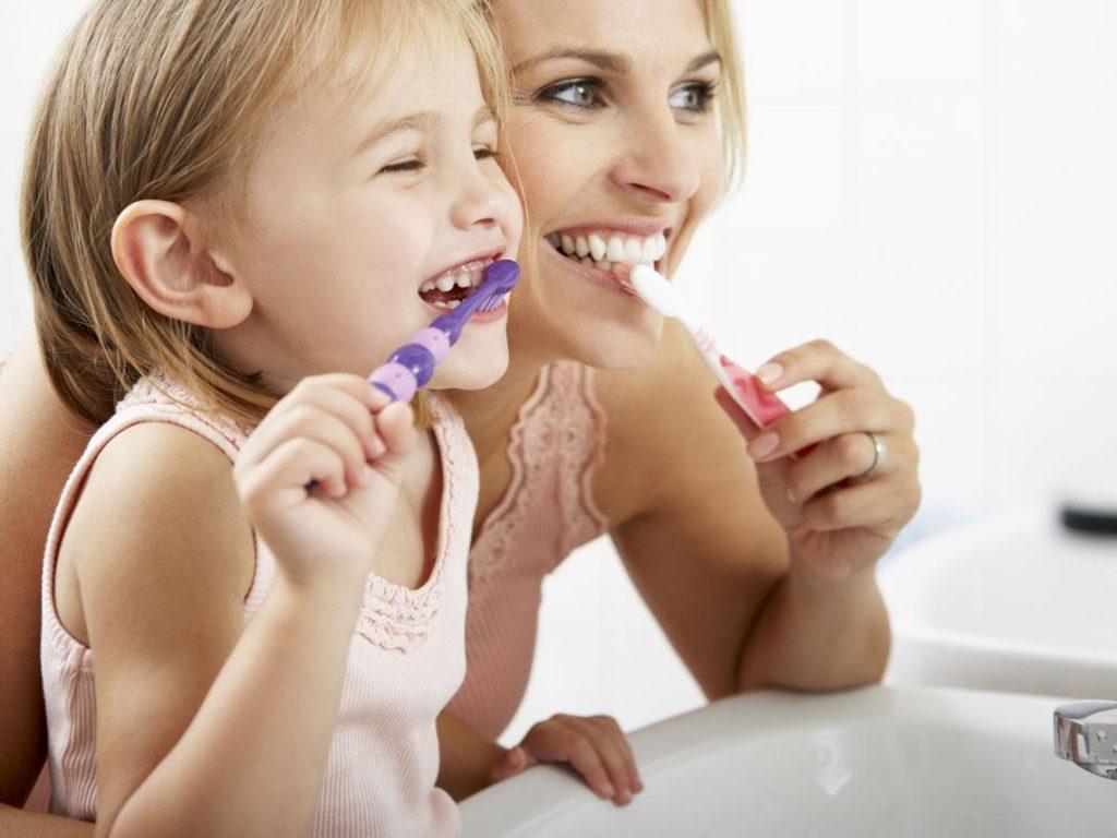 Limpieza de los dientes a temprana edad